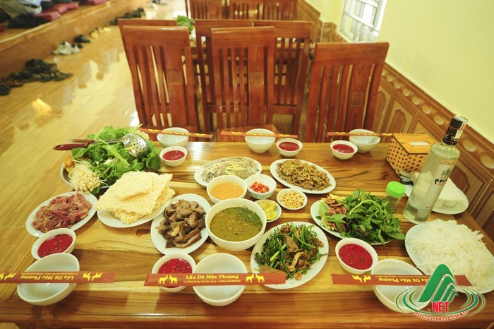 Lẩu dê Mộc Phượng, nhà hàng Dê ngon tại Mộc Châu