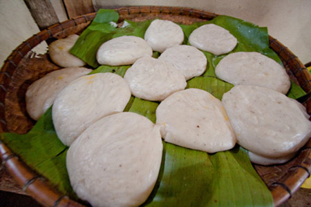 Thơm dẻo bánh dầy Mông ngày Tết