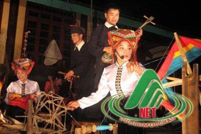 Hạn khuống và Ỉn chan trong văn hóa dân gian Thái
