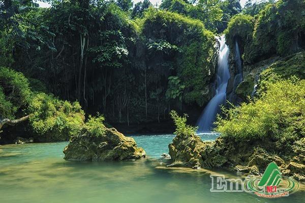 Sửng sốt với vẻ đẹp hoang sơ của thác Chiềng Khoa