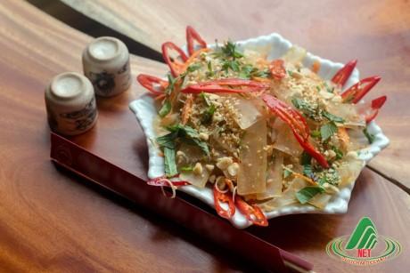 Món Da trâu nướng, muối chua của người Thái Vân Hồ một món ăn ngon, giải độc rượu.