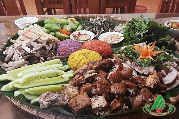 Nghệ thuật ẩm thực trong những quán ăn ngon nức tiếng Mộc Châu.